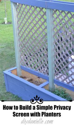 DIY Privacy Planters and Trellis How to build a DIY planter box with trellis. This outdoor privacy screen planter is perfect for growing climbing plants with a companion plant. Planter Box With Trellis, Diy Planter Box, Diy Trellis, Garden Trellis, Diy Planters, Privacy Planter, Garden Privacy, Privacy Screen Outdoor, Privacy Trellis