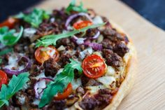 Boerewors Pizza Vegetable Pizza, Stew, Stuffed Peppers, Dishes, Fruit, Vegetables, Eat, Cooking, Recipes