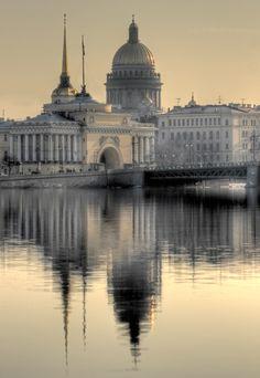 """""""Волшебный Петербург"""" - это фотоподборка молодого фотографа Андрея Сильникова. На его фотографиях этот великолепный город предстает перед зрителем во всей"""