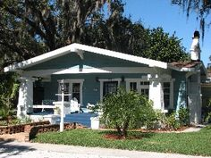 Charming, Deceptively Spacious Original Fisherman's Cottage with private Pool--Clearwater Area