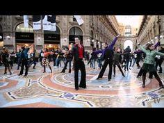 Oggi Sposi Tv: Flash mob della Febbre del Sabato Sera a Milano