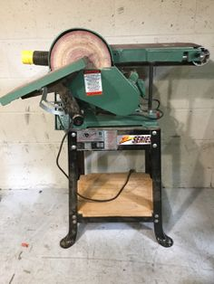 MACHINERY- GRIZZLY G1014Z DUAL SANDER 6 INCH BELT SANDER AND 9 INCH DISK SANDER