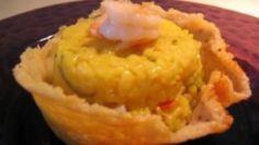 Sformatini di risotto allo zafferano con gamberi e zucchine