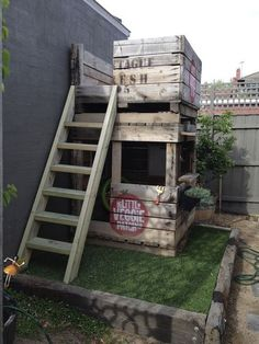 A pallet wood kids clubhouse/treehouse... I love this idea but make sure to pull out any old nails still exposed in the wood. www.ContainerWaterGardens.net