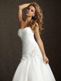 Shop Allure Bridals: Style: 2509