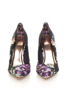pantofi multicolori - Silvia Bravo ai stil Flats, Floral, Shoes, Fashion, Embroidery, Moda, Zapatos, Shoes Outlet, Fashion Styles