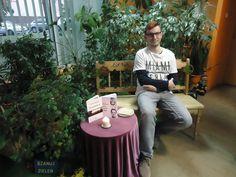 Spotkanie autorskie w bibliotece przy ul. Wilczej 7 w Łodzi #biblioteki #Łódź #marcinkurcbuch #pisarz #poeta #poezja #wiersze #poem #writer #books #oczyszczenia #przyglądamsię #literatura