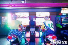 Rap Monster cùng Jimin hào hứng chơi đua xe cùng nhau.