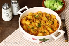 Mâncare de cartofi (tocăniță) simplă, de post Vegan Vegetarian, Vegetarian Recipes, Romanian Food, Always Hungry, Yummy Appetizers, Desert Recipes, Chana Masala, Vegetable Recipes, Slow Cooker Recipes