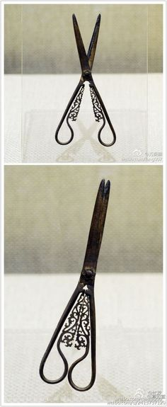 ✽ antique sewing scissors
