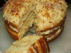 VLA LAAGKOEK Die koek moet in die yskas gehou word as dit nie dieselfde dag wat dit gebak is opgeëet word nie Sponskoek: 4 Groo. South African Desserts, South African Recipes, Baking Recipes, Cookie Recipes, Dessert Recipes, Baking Desserts, Pizza Recipes, Ma Baker, Custard Cake