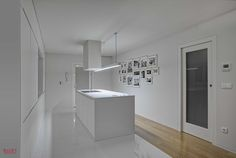 Vista da sala para a cozinha Fotografia: José Lobo
