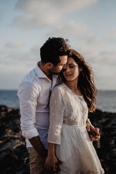 Coupleshoot auf Mallorca — miss freckles photography Freckle Photography, Couple Shoot, Freckles, Destination Wedding, Couples, Outfits, Hug, Majorca, Pretty Pictures