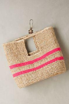Crochet Bags Designs Fuschia-Striped Straw Bag: not crocheted or knitted, but a cute idea! Suede Handbags, Purses And Handbags, Crochet Shell Stitch, Crochet Handbags, Crochet Bags, Knitted Bags, Knit Bag, Handmade Bags, Fashion Bags