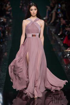 Elie Saab Fall/Winter Ready to Wear Collection Elie Saab, Gala Dresses, Nice Dresses, Fashion Week, Look Fashion, Couture Fashion, Runway Fashion, Net Fashion, Fantasy Gowns