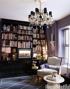 Small but grand library. Designer: David Kaihoi. Photo: Ngoc Minh Ngo. housebeautiful.com