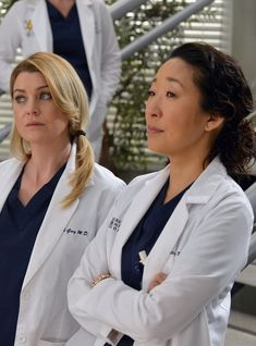 'Grey's Anatomy' Season 16 Episode Cristina Yang's letter to Meredith Grey has fans bawling their eyes out Sandra Oh, Meredith E Cristina, Cristina Yang, Greys Anatomy Season, Greys Anatomy Cast, Derek Shepherd, Personajes Grey's Anatomy, Grey's Anatomy Wallpaper, Owen Hunt