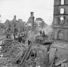 BRITISH ARMY NORMANDY 1944 (B 9330)