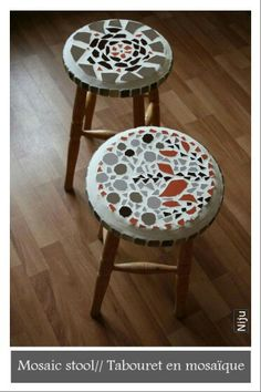 Mosaic stools // Tabourets en mosaïque www.julianieto.com