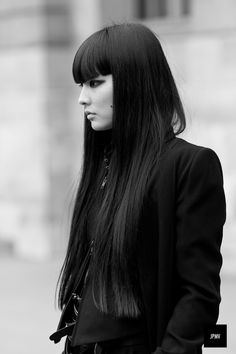 Dark hair with bangs #bangs #hairdo