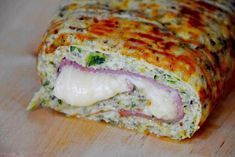 Roulé de courgette farci au jambon et fromage Roll of zucchini stuffed with ham and cheese Fun Easy Recipes, Easy Salads, Healthy Salad Recipes, Healthy Drinks, Vegetarian Recipes, Easy Meals, Zucchini Rolls, Ham And Cheese, Quinoa