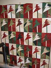 Christmas quilt  This is a different pattern I've never seen before and I like it!  #HandiQuilter