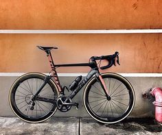 Triathlon Bikes, Triathlon Training, Road Cycling, Cycling Bikes, Giant Bikes, Bicycle Race, Super Bikes, Road Bikes, Bicycling
