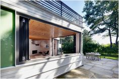 """Nature-Welcoming Modern Home In Potsdam: Lakeshore House 