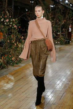 See the complete Ulla Johnson Fall 2017 Ready-to-Wear collection.