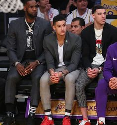Sports Basketball, Basketball Players, Nba Fashion, Mens Fashion, Small Forward, Kyle Kuzma, Nba Players, King James, Los Angeles Lakers