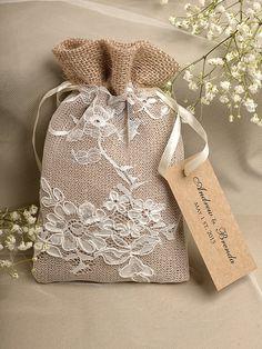 Personalizzato listato (20) naturale rustico tela nozze sacchetto favore, betulla naturale Bark matrimonio favore, borsa stile County, Custom Tag