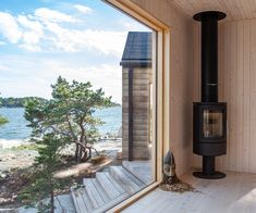 Coastal sauna in Finnish archipelago. Modern Log Cabins, Aspen House, Outdoor Sauna, Summer Cabins, Haus Am See, Lakeside Cottage, Bothy, Weekend House, Forest House