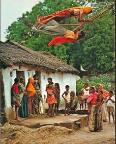 Girls enjoying swing in a Rajasthan village, India We Are The World, People Around The World, Around The Worlds, Amazing India, Rural India, Indian Village, India Culture, Indian Photography, Photography Music