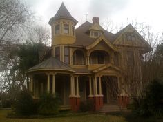 Bay City area Victorian Mansion - Want!