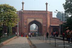 https://flic.kr/p/7LUVkC | Entrance to the Taj Mahal Complex, Purani Mandi, Agra, Uttar Pradesh, India