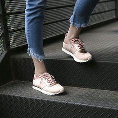 O novo #fashion: a dupla jeans e tênis vai além do seu dia a dia e agora é sinônimo de estilo! 👟 (Tênis @viamarte R$99,99) #UseDiGaspi #esporte #moda #jeans