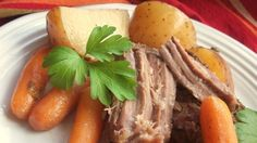 Slow Cooker Beef Roast Recipe 2 pounds boneless beef roast 1 teaspoon vegetable oil salt and pepper to taste 1 onion, quartered 16 baby carrots 1 ounce) can condensed cream of mushroom soup 4 cloves garlic, minced 2 tablespoons chopped fresh parsley Slow Cooker Roast Beef, Roast Beef Recipes, Beef Stew Meat, Crock Pot Slow Cooker, Slow Cooker Recipes, Crockpot Recipes, Cooking Recipes, Yummy Recipes, Slow Cooking