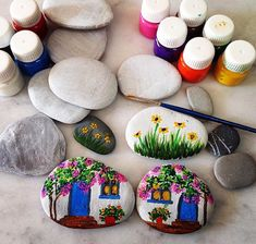 Easy Painting Rock Ideas and Stone art by Stone Art Painting, Rock Painting Designs, Pebble Painting, Pebble Art, Diy Painting, Hobbies And Crafts, Diy And Crafts, Crafts For Kids, Arts And Crafts