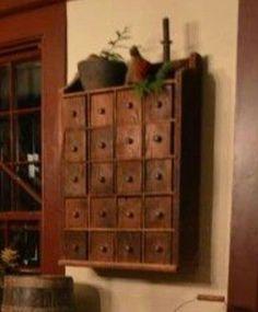 Maybe for my tea storage? Primitive Homes, Primitive Kitchen, Primitive Antiques, Country Primitive, Primitive Decor, Kitchen Country, Prim Decor, Country Decor, Tea Storage