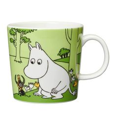 Become a Moomin mug collector with this beautiful new addition from Arabia Finland! Featuring an authentic Moomin illustration taken from the author. Moomin Shop, Moomin Mugs, Nordic Design, Scandinavian Design, Les Moomins, Cappuccino Tassen, Moomin Valley, Tove Jansson, Magic Box