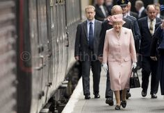"Mark Cuthbert on Twitter: ""Hm Queen and Duke in Liverpool by Royal Train."
