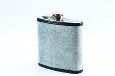 Hand selected grey harringbone fabric redone into this great flask by Keelan Rogue.  Made in Chicago from start to finish.
