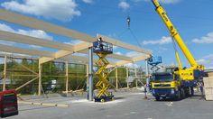 Holzhallenbau mit Autokran und Scherenbühnen. .. Fast fertig www.zimmerei-massivholzbau.de
