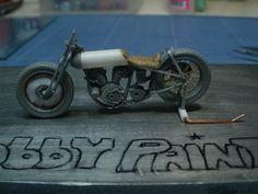 Harley Davidson 750 WL'R' Bonneville Speedway (Salt Lake City), MINIART 1/35 scale remodeled. W.I.P. By Arno. #motorcycle #vignette #scale_model - Hobby paint https://hobbypaint.wordpress.com/2015/01/04/harley-davidson-750-wlr-bonneville-speedway-salt-lake-city-plastiq-miniart-135-projet-en-cours/