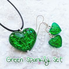I have made a new sparkly green matching set ready for christmas 💚🎄 Diy Resin Art, Diy Resin Crafts, Diy Arts And Crafts, Diy Jewelry Projects, Jewelry Crafts, Handmade Jewelry, Polymer Clay Jewelry, Resin Jewelry, Making Jewelry For Beginners