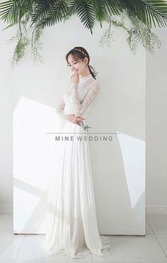 Korean Wedding Photography, Fashion Photography Poses, Bride Photography, Creative Fashion Photography, Wedding Photography Inspiration, Pre Wedding Photoshoot, Wedding Poses, Corset Back Wedding Dress, Wedding Dresses