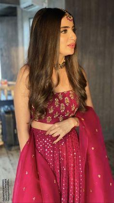 Latest Fashion Dresses, Indian Fashion Dresses, Indian Designer Outfits, Indian Outfits, Fashion Outfits, Indian Bride Dresses, Simple Pakistani Dresses, Pakistani Fashion Casual, Bridal Lehenga Collection
