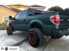 "#Repost @abigdill  Tires aren't supposed to stick out more than 2"" past the fender they say  #ford #f150 #4x4 #southerntrucks #fueloffroad #nfab #sunshinestance #fla_flossin #flogrown #wrappedbysb #theradfactory #liftedtrucks #twitter"