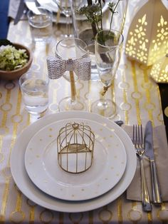 Start planning your New Year's eve party with IKEA! Add touches of gold to table settings and décor for a night that's sure to sparkle.