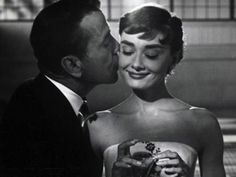 Humphrey Bogart & Audrey Hepburn in Sabrina, Directed by Billy Wilder. She is simply perfect rosedarling: Humphrey Bogart & Audrey Hepburn in Sabrina, Directed by Billy Wilder. She is simply perfect Humphrey Bogart, Old Hollywood, Classic Hollywood, Hollywood Style, George Hurrell, Lauren Bacall, Kourtney Kardashian, Kardashian Fashion, I Movie